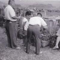 昭和30年代の墓参り-西垂水の墓地