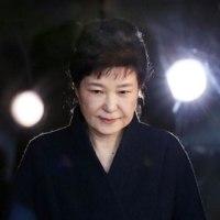 韓国検察、朴前大統領の逮捕状を請求 有罪なら懲役45年も