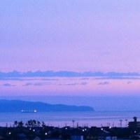 今朝の大山と根雲からあらわれた朝日さん 6月23日