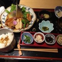 昼飯。お野菜料理。いただきます。