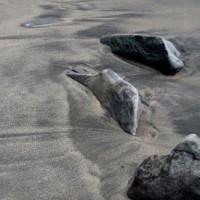 海の岩:25