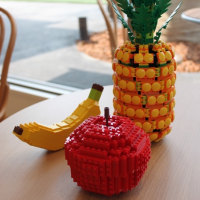 果汁工房 果琳 メイカーズピア店に作品を展示しました。