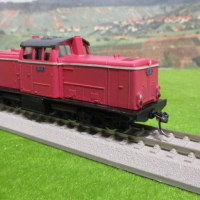 ドイツ形ディーゼル機関車?更新工事を終え運用へ