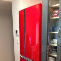 夫婦円満のヒケツは真っ赤な冷蔵庫