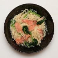 2017.05.20の夕食 サーモンとほうれん草の冷製カペリーニ