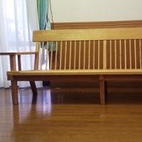 【オイル仕上げ】スッキリしたデザイン、栗材のベンチタイプソファー。木工職人さんの作る逸品。一枚板と木の家具の専門店エムズファニチャーです。