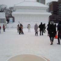 雪まつりにいく人なんです。