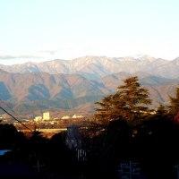 我が町から見た山の冬景色