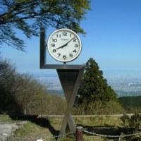 初、金剛山・・・。早朝に登らな、人ごみを登ることになっちゃうよ。やっぱ、デビュー曲が一番ええな、松田聖子 「裸足の季節」