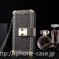 【LouisVuitton】専用箱付きのルイヴィトンiPhoneX/8/8plus/7/6 ケース 金属製ロック付き 個性的でクール