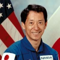 毛利衛がスペースシャトル・エンデバーで宇宙に出発。