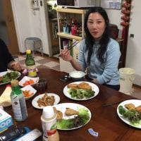 夕食は中国の友達が来てフライを食べました。