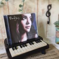 ピアノ型CDスタンド完成!