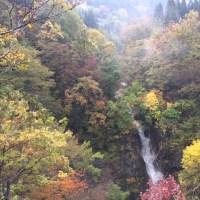 秋山郷と松川渓谷の紅葉 Kohyoh,leaves changing their color to red or yellow