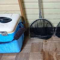 網の修復とクーラーボックスの改良