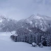 二ッ森 名残りの雪山