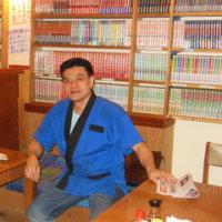 マンガ本を 1万冊以上揃えている 古都 という日本料理店!
