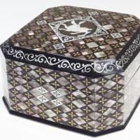 ミュージアム巡り 動物集合 兎文螺鈿飾箱
