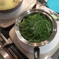 「カリカリあんかけ焼そば」と「鮭と野菜のヘルシー蒸し」