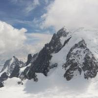 これぞ≪山≫という形の山