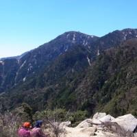 ハライド(908m)~青岳(1,102m)~ブナ清水を周回~アカヤシオが咲き始めた静かな山行を満喫~