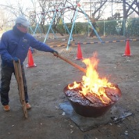 無煙炭化器で焼き芋