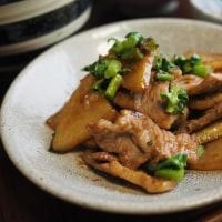 聖護院大根と豚の生姜焼き ムラサキ大根の甘酢漬け