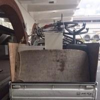自転車や食器棚