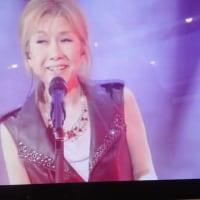 高橋真梨子コンサート2014をタブレットで観ながら一杯飲ってます。