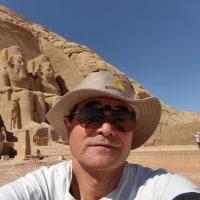内陸の Abu Simbel 宮殿まで、やって来ました