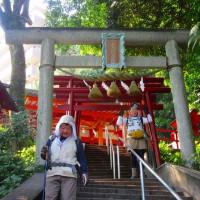 16 牛田山(261m:東区)~二葉山縦走登山  稲荷神社の鳥居を潜って
