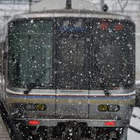 吹雪の中、発車です。
