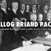 ケロッグ・ブリアン協定に、15か国が調印。