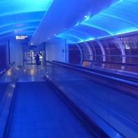 イングランドでクリスマス!広すぎるシャルルドゴール空港と不思議なホームのマンチェスター空港駅!