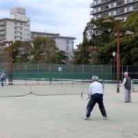 「テニス」が終わるまで 降らないで !