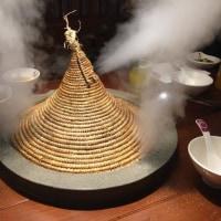 上海金虹桥商場の Honey & Honey で云南鱼なんとか鍋を食った