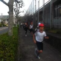 12/1(木)、「川上小学校、校内マラソン大会」 お手伝い!