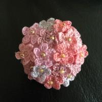 刺繍糸の小さいお花ブローチ❤️