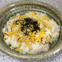 カニと菊花のちらし寿司