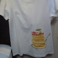 最近買ったTシャツ。