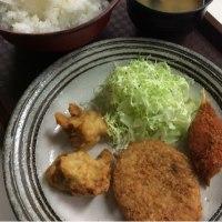 唐揚げ2個・牛肉コロッケ・カニ爪フライ