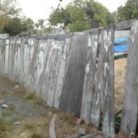 やっと、裏庭のフェンスを交換しました!!Before & After