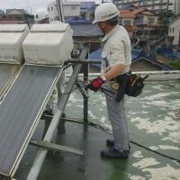 太陽熱温水器を撤去