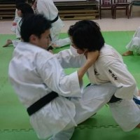 名古屋の瑞穂区の浜新武道教室で楽しい稽古!なぜか、笑顔がたえません!! 空手拳法武道に興味を持ったら見学に来てください。