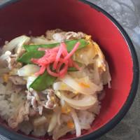 4/28(金)昼食(親子丼)。