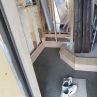 左官屋さんの玄関のタイルの施工を進めて頂いております ・・・ 新築現場