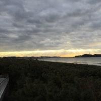 今日の波 と江ノ島