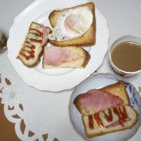 デコレーショントーストの朝食とランチ&晩酌三食まとめて♪