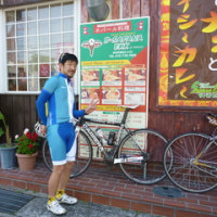 友人が自転車小屋を来訪 ランチはネパール料理