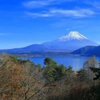 本栖湖のからの富士山